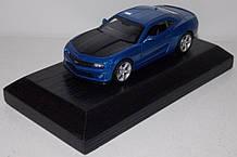 1:43 Автопром Chevrolet Camaro SS на подставке