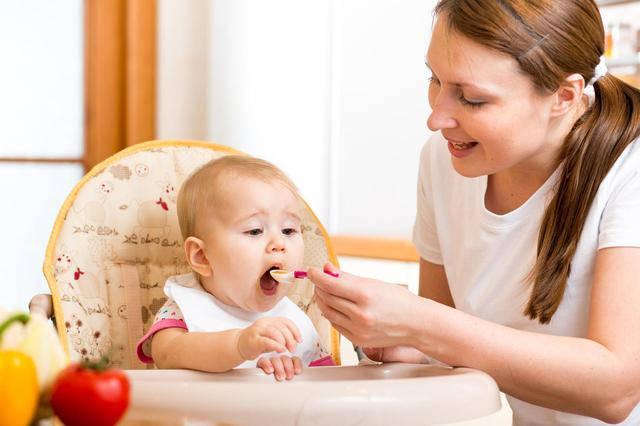 5 простых советов о том, как вводить прикорм малыша зимой