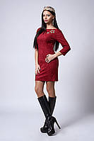 Оригинальное женское платье из замши бордового цвета