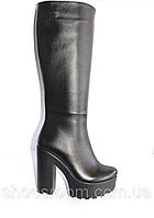 Кожаные женские сапоги на высоком каблуке