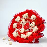 Букет из игрушек Мишки 11 с сердечком в красно-белом
