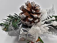 Ветка новогодняя с  белым цветком 75273