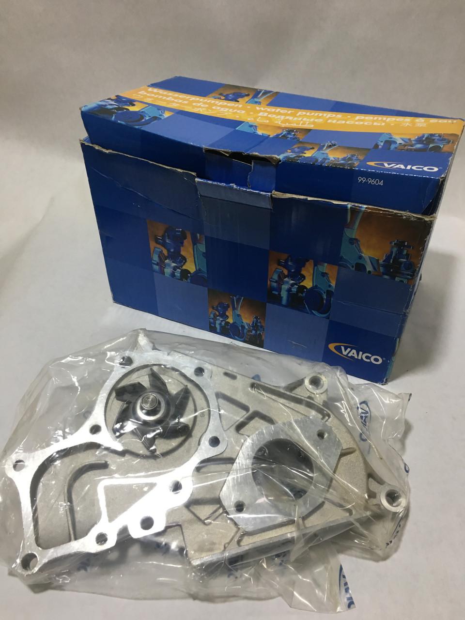 Водяной насос для авто Toyota Corolla/Carina/Liteace/ Vaico V7050010
