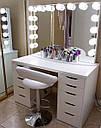 Стол для визажиста, гримерный стол для макияжа, с лампами по периметру зеркала., фото 3