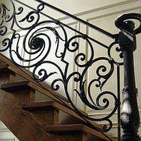 Ограждения лестницы и парапета из толстого кованого железа