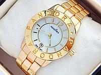 Золотые часы Pandora с перламутровым циферблатом и датой