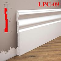 Белый плинтус из дюрополимера LPC-09 Cezar, 2,0м