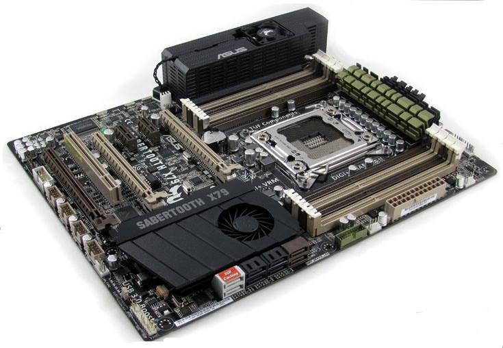 "Материнская плата Asus Sabertooth X79 s.2011 X79 DDR3 ""Over-Stock"" Б/У"