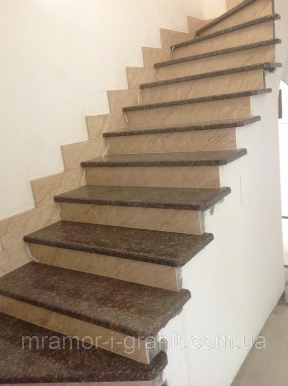 Лестница из коричневого гранита 5