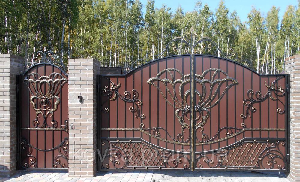 Кованые распашные ворота с калиткой, код: 01064