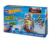 Трек Hot Wheels Потрійна мішень Triple Target Takedown Track Set DJF02