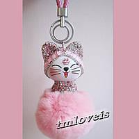 Меховой помпон брелок Котик Чудо розовый
