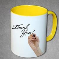 Печать фото на чашках жёлтых внутри и с жёлтой ручкой