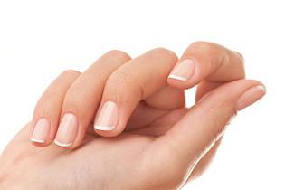 Засоби по догляду за нігтями і кутикулою