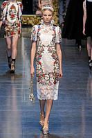Street style: модні дівчата носять вишиванки