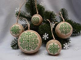 Набор елочных шаров «Снежинки» зеленого цвета