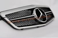 Решетка радиатора с эмблемой AMG на Mercedes E-class W212 2009-2013 до рестайлинг серебряная