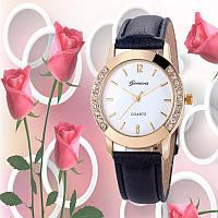 Превосходные женские часы с черным ремешком Geneva