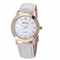 Превосходные женские часы с белым ремешком Geneva