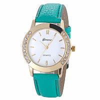 Превосходные женские часы с зеленым ремешком Geneva