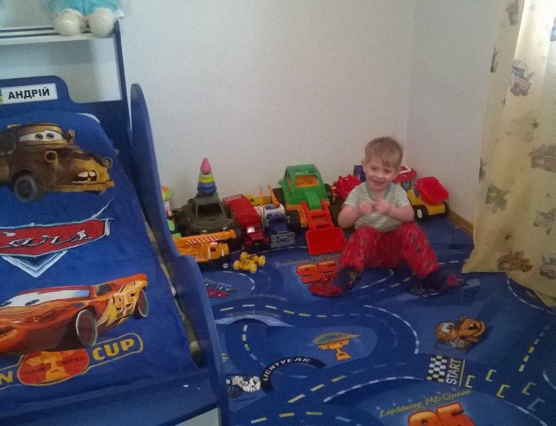 Коврик в детскую комнату WORLD OF CARS 77