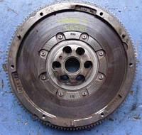 Маховик демпферный ( двухмассовый маховик )VWCaddy III 1.6tdi2004-201603L105266CD, Sachc (мотор CAY)