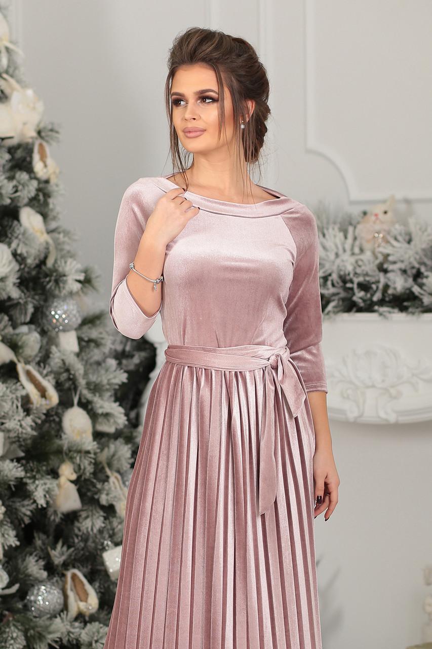 Платье велюровое миди в цвете пудра