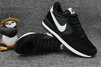 Nike Internationalist Black/White. Зимние кроссовки найк. Инетрент магазин кроссовок.