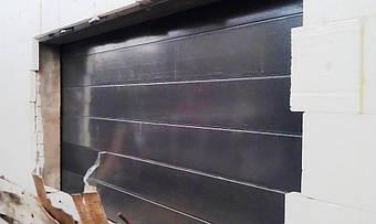 Гаражные секционные ворота Алютех с типом полотна L-гофр, гладкие.