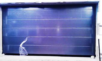 """Гаражные секционные ворота Алютех в цвете """"антрацит"""" ADS703."""