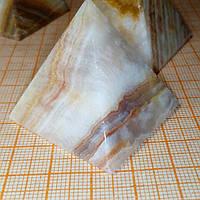 Пирамида из оникса 4*3,6см