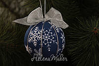 Новогодний шар Синий в снежинку с серебрянным бантом 8 см