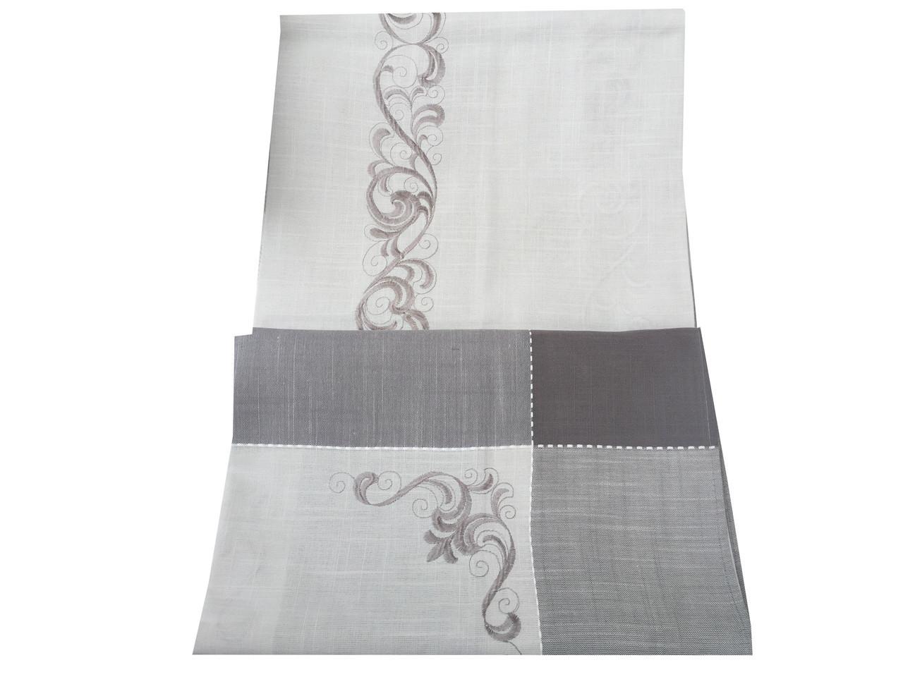 Скатертина з вишивкою на стіл розкладний 150-220 см