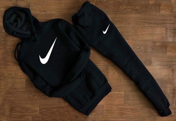 Весенний спортивный костюм Nike с белым логотипом топ реплика