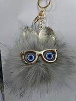 Серые брелоки помпоны с ушами для сумок и ключей, меховые брелоки оптом (12 см) 269