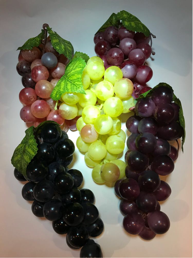 Искусственный виноград. Гроздья искусственного винограда.