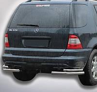 Защита заднего бампера Двойные углы на Mercedes ML 163 (1997-2005)