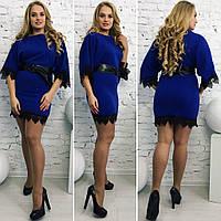 Платье мини, украшено кружевом. Разные цвета и размеры.