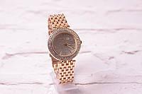 Классические женские часы Michael Kors в золоте (кварцевые) циферблат в камнях