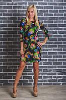 Стильное молодежное платье с принтом