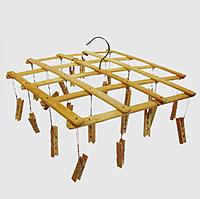 Деревянная квадратная вертушка с прищепками