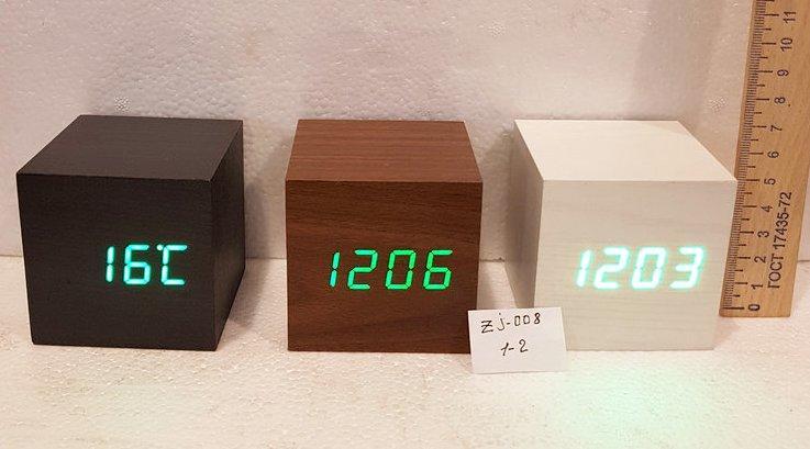 Электронные настольные часы ZJ-008-4