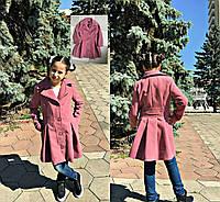 Весеннее пальто на пуговицах с отложным воротником