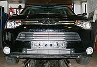 Декоративно-защитная сетка радиатора MITSUBISHI Outlander 2012-  бампер, фото 1