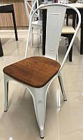 Стул Tolix AC-001L Толикс стальной каркас белого цвета, тиковое сиденье, лофт, дизайн Xavier Pauchard