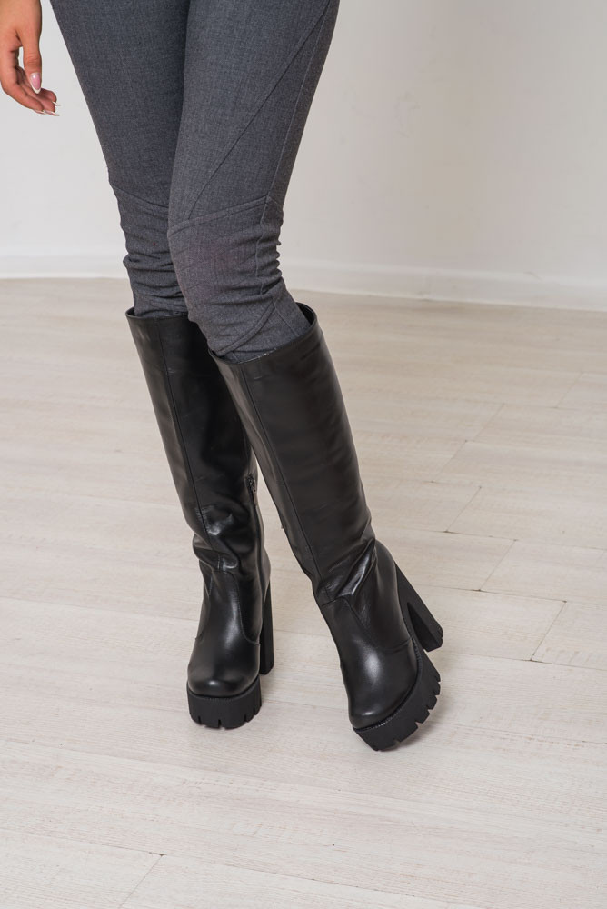 Зимние женские сапоги на устойчивом каблуке в коже и замше ТМ Bona Mente