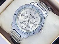 Женские часы Pandora серебристого цвета с дополнительными циферблатами и датой