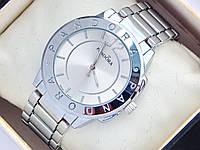 Женские часы Pandora серебряного цвета с окружностью по средине , фото 1