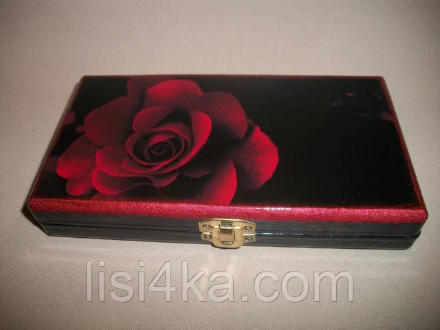 Деревянная черная купюрница с красной розой