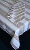 Скатерть с салфетками вышитыми нежная